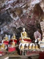 cave_buddhas