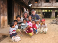 children-in-mountain-village-myanmar