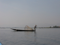 fisherman-on-inle-lake-myanmar